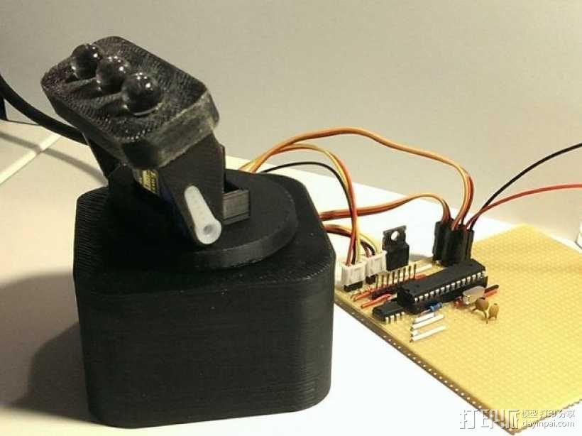 迷你LED摇头灯 3D模型  图1