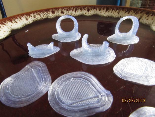 吉他拨片和拇指拨片 3D模型  图1