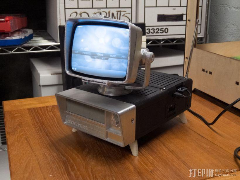 PHIL复古台式电脑/媒介中心 3D模型  图1