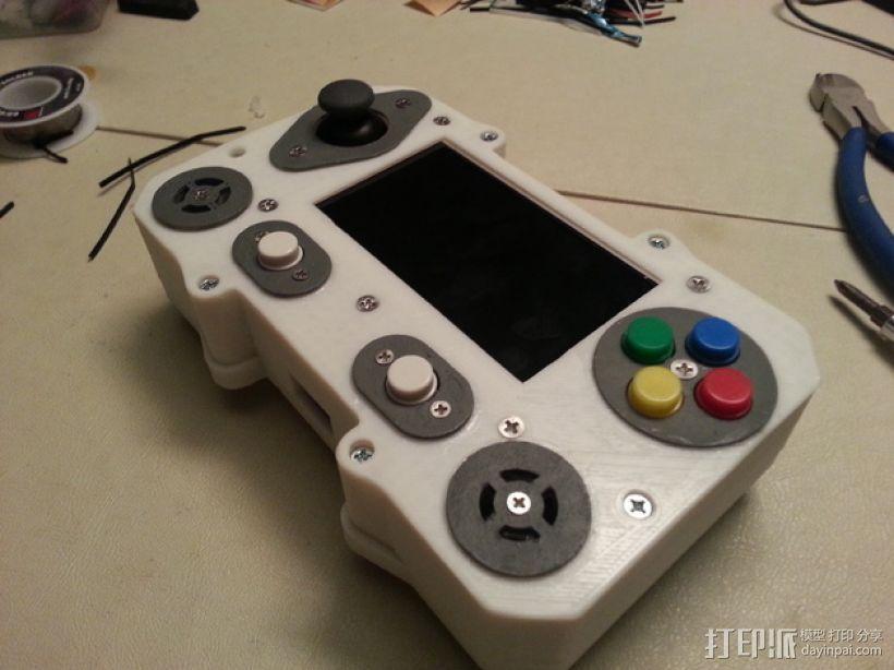 便携式树莓派游戏机模拟装置 3D模型  图1
