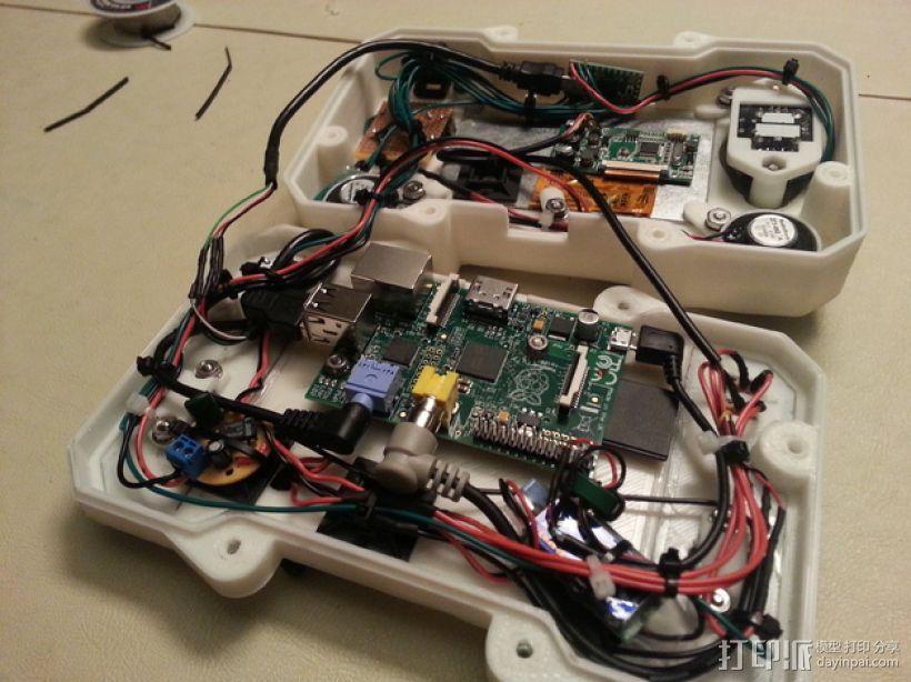 便携式树莓派游戏机模拟装置 3D模型  图10