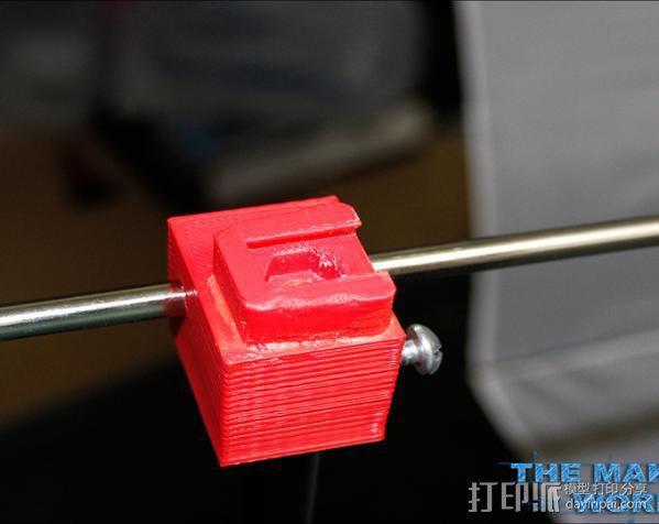 摄影反光伞固定器 3D模型  图2