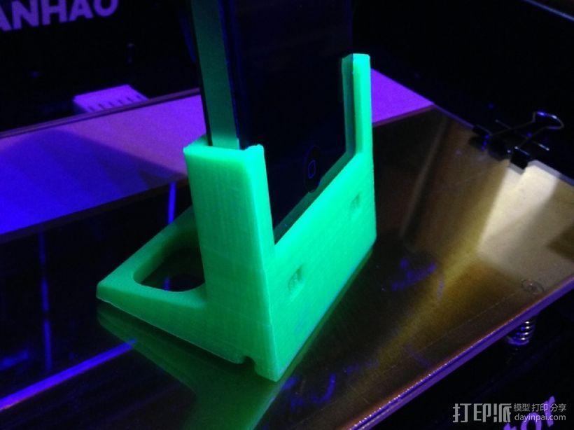 iPhone 4/4s充电座 3D模型  图1