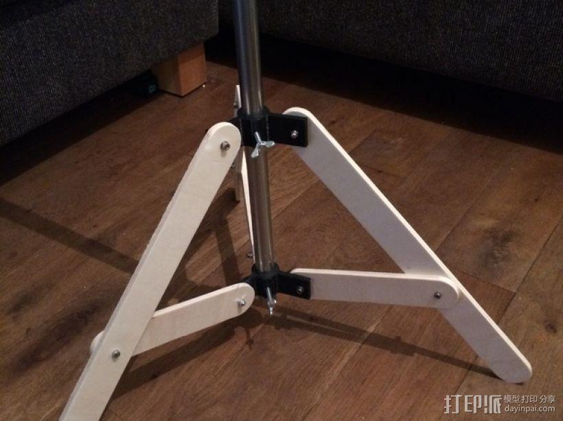 可折叠式三脚架 3D模型  图1