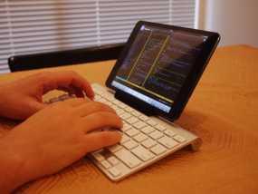 Ipad Mini + Apple无线键盘架 3D模型