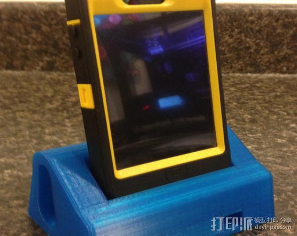 IPhone 4s 手机充电座 3D模型  图3