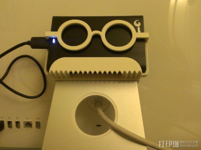 硬盘驱动器支架 3D模型  图1