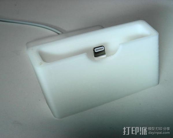 iPhone 5手机充电座 3D模型  图3