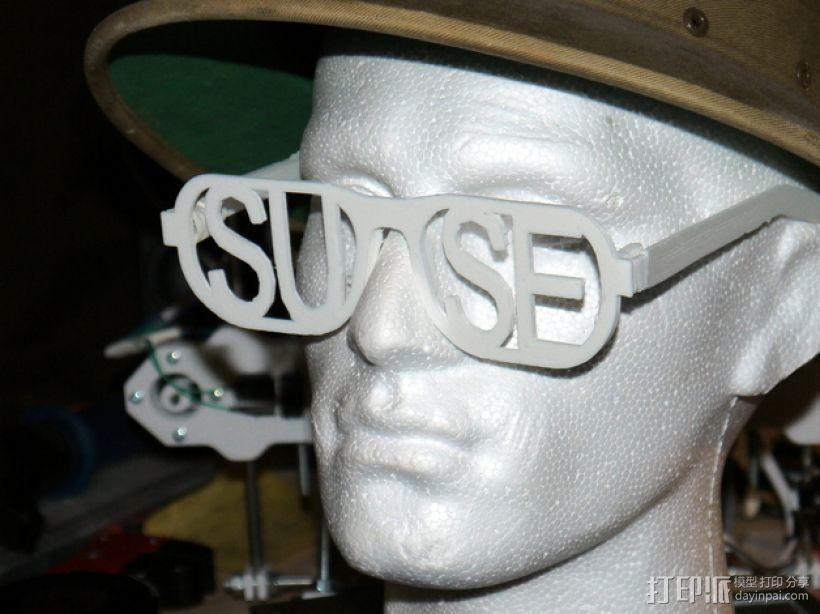字母眼镜 3D模型  图1