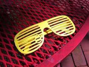泪珠形百叶窗眼镜 3D模型
