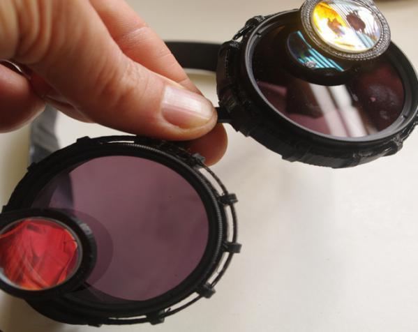 带有滤光镜功能护目镜 3D模型  图2