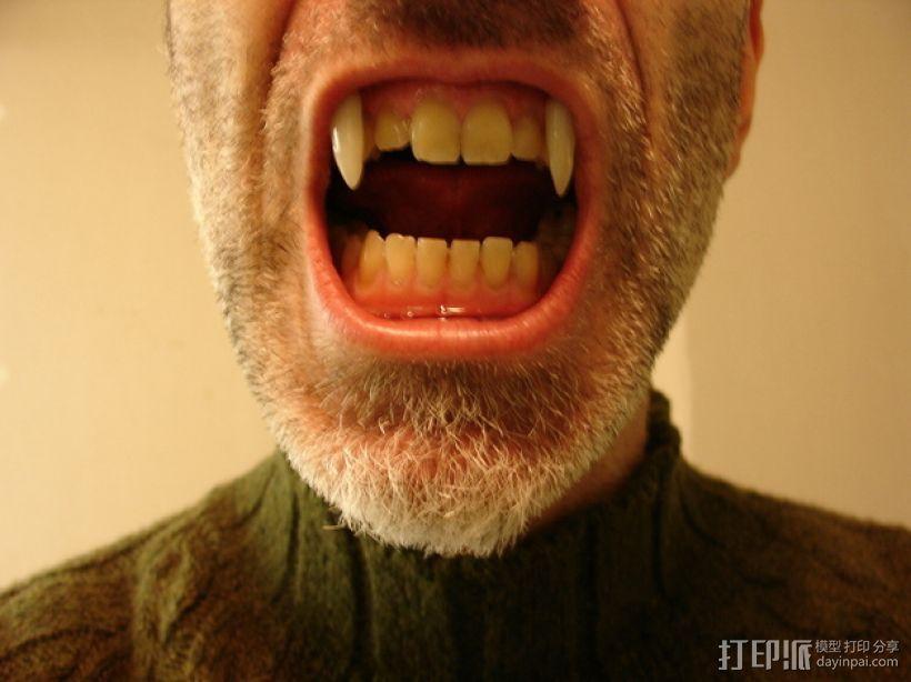 可伸缩的吸血鬼尖牙 3D模型  图1