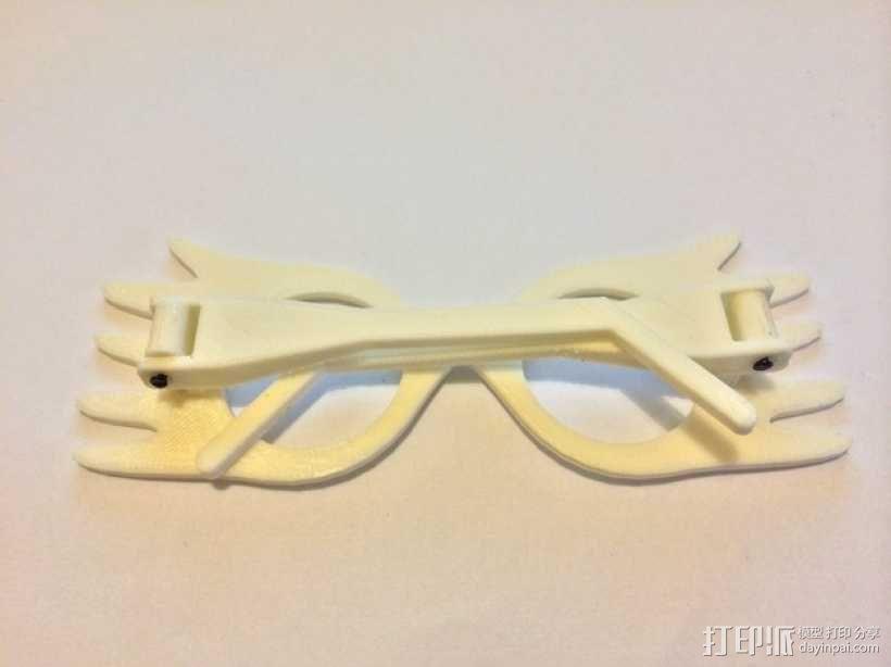 Luna 的眼镜 3D模型  图4