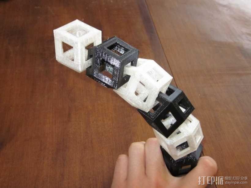 菱形十二面体手链 3D模型  图1