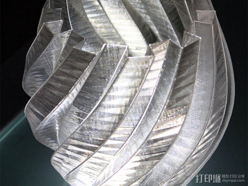 扭曲的齿轮花瓶 3D模型  图1