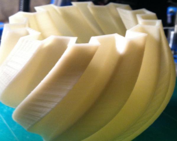 扭曲的齿轮花瓶 3D模型  图5