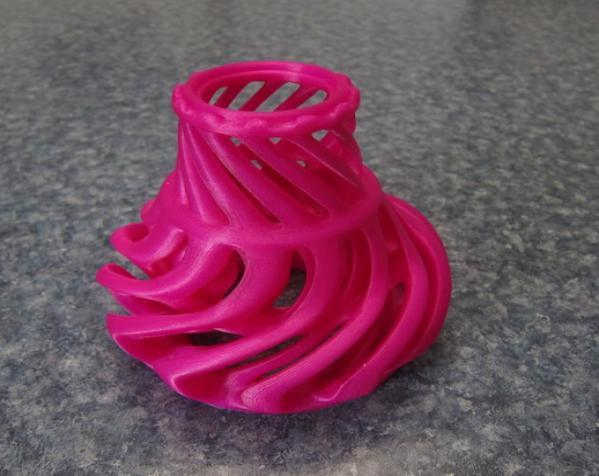 涡环花瓶 3D模型  图2