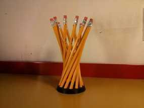 参数型双曲螺旋铅笔筒 3D模型