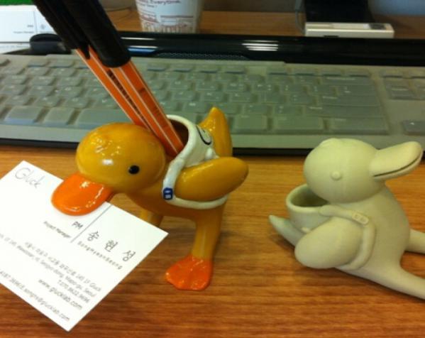 鸭子笔筒 手机座 3D模型  图3